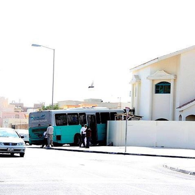 Door-to-door literally #schoolbus #fail #habal #هبل #HabaLdotCom #هبل_دوت_كوم