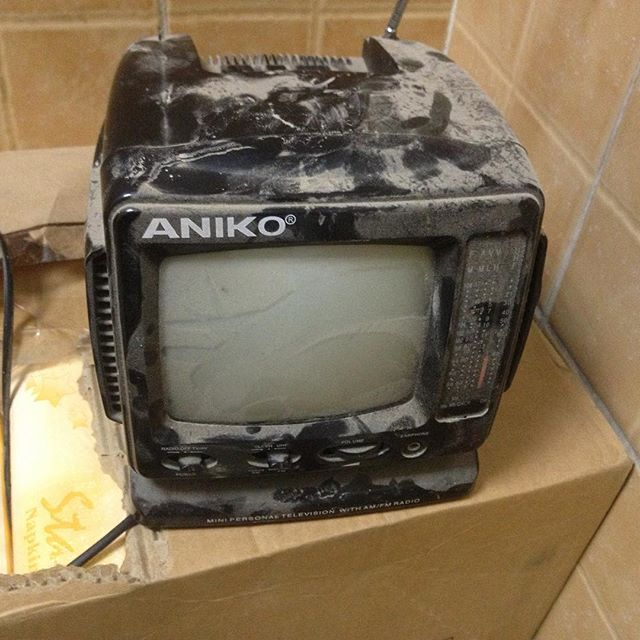 #forsale #tv in somewhat of a condition, own it today for only one... #nevermind #habal #هبل #HabaLdotCom #هبل_دوت_كوم